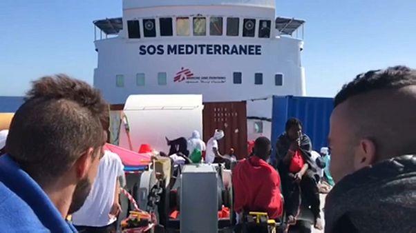 Nave Aquarius, 600 migranti ancora in attesa dell'ok da Italia o Malta