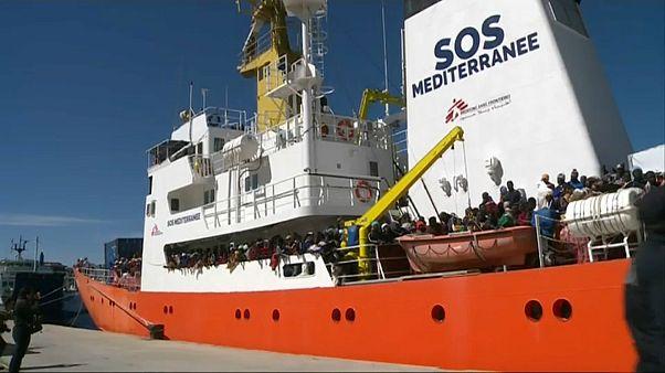 600 migrantes aguardam desembarque