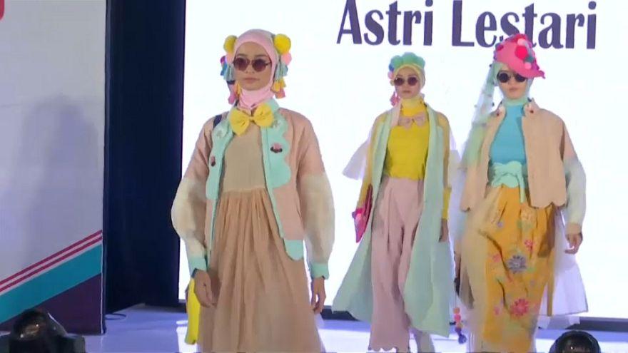 تعرف على أول مدرسة لتعليم تصميم الأزياء للمحجبات في العالم