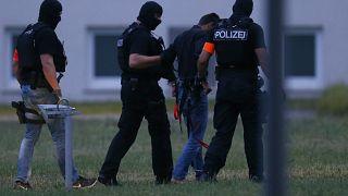 Refugiado iraquiano admite homicídio de alemã de 14 anos