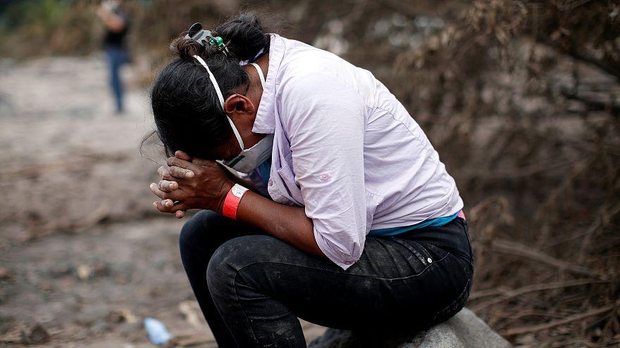 Vulkanausbruch: Frau sucht nach 50 Verwandten