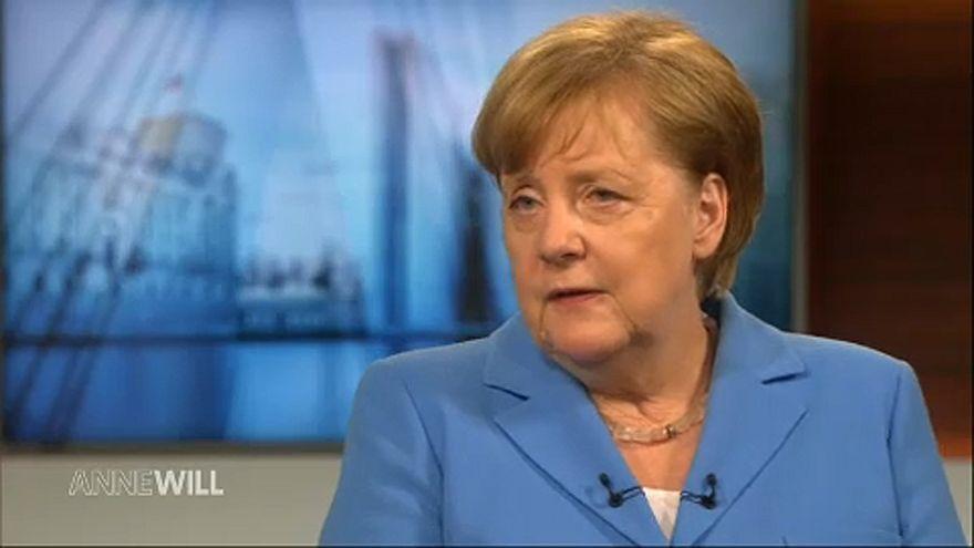 Merkel: Magyarország Németországot is védi
