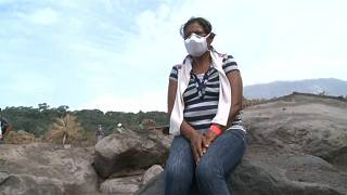 Sobreviventes da erupção procuram familiares desaparecidos