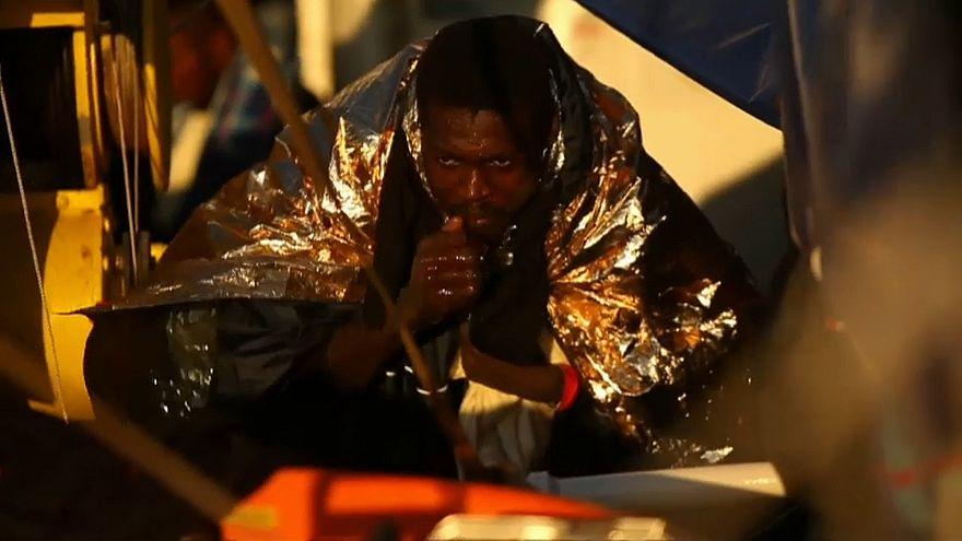 """Migrantes """"reféns"""" do braço-de-ferro entre Itália e Malta"""