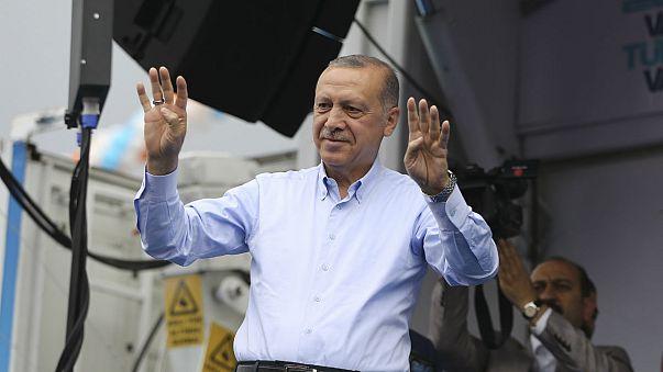 Erdoğan: Askerimiz Kandil'e ilerledikçe Muharrem'i efkar basıyor