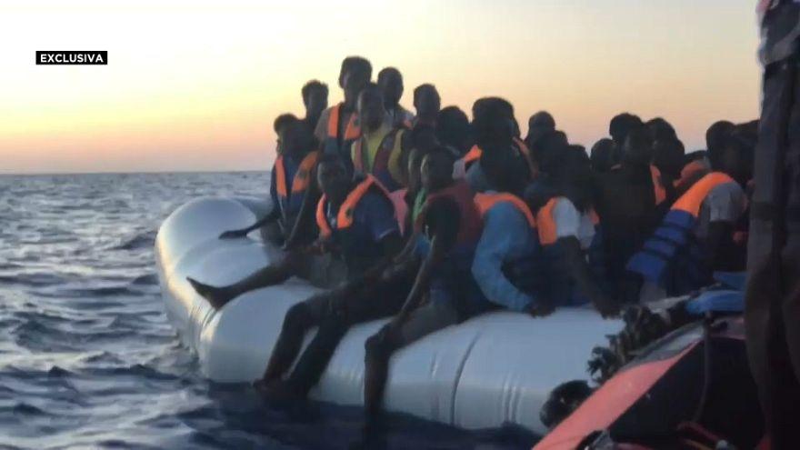 Escalofriantes imágenes del rescate de migrantes por parte del Aquarius