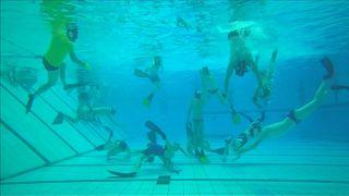 هوكي تحت الماء
