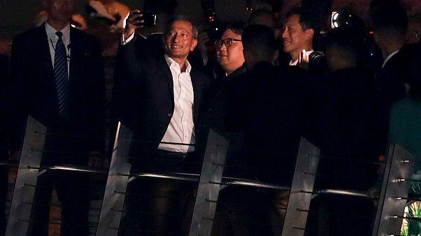 Selfie Kim Jong Un et chef de la diplomatie Singapour.
