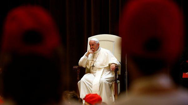 Chile: Papst akzeptiert Rücktritt von drei Bischöfen