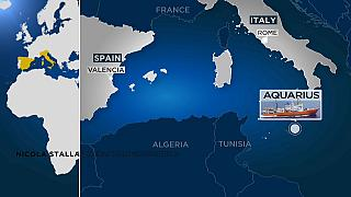 Aquarius: Spagna troppo lontana, la nave fa rotta verso l'Italia