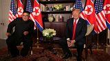 انتهاء اللقاء الأول بين ترامب وكيم وبدأ لقاءات موسعة بمشاركة مساعديهما