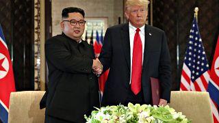 "Trump-Kim, stretta di mano storica a Singapore: ""Via a denuclearizzazione"""