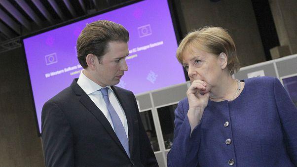 Κουρτς και Μέρκελ τα λένε για τους πρόσφυγες και τα σύνορα