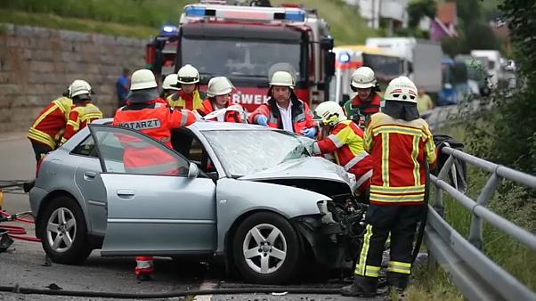 Condutor de 90 anos provoca vários feridos