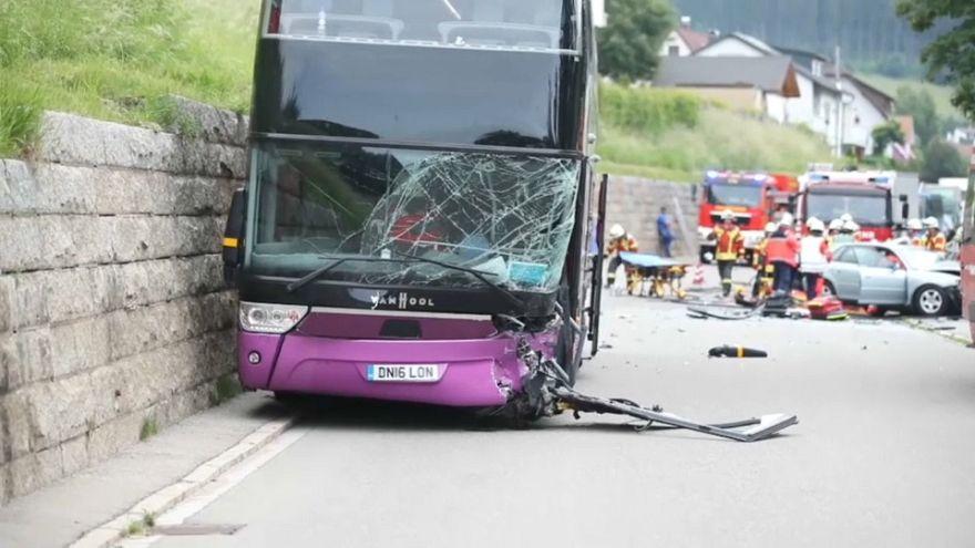 Germania: scontro fra auto e bus di studenti britannici