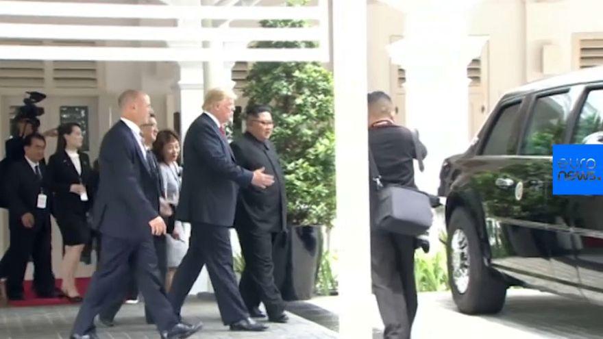 """شاهد: ترامب يتباهى بسيارته الليموزين """"الوحش"""" أمام كيم"""
