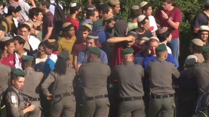 Al via lo sgombero dei coloni israeliani abusivi