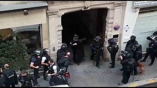 الشرطة الفرنسية تنهي عملية احتجاز رهائن في باريس