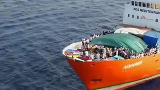 Αλληλεγγύη για τους μετανάστες του Aquarius ζητούν ευρωβουλευτές