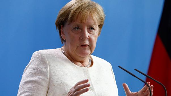 Merkel llama a la unidad en política migratoria