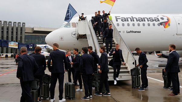 WM 2018: Deutsche Mannschaft kommt in Moskau an