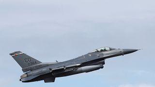 Suudi Arabistan Yemen'de geniş çaplı operasyon başlattı