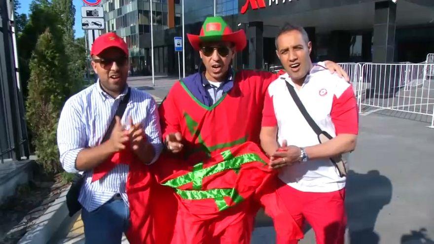 شاهد: مشجعو المنتخب المغربي يرحبون بأسود الأطلس في مدينة فورونج الروسية