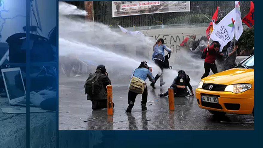 Brüksel'de Türk gazetecilere destek sergisi