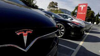 Tesla taglia il 9% dei dipendenti
