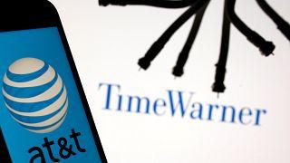 AT&T сливается с Time Warner
