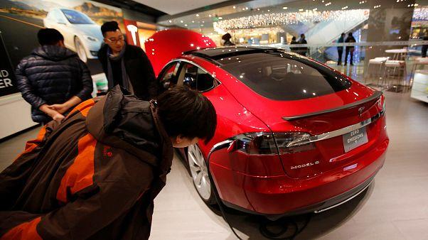 Tesla rabote un dixième de ses effectifs