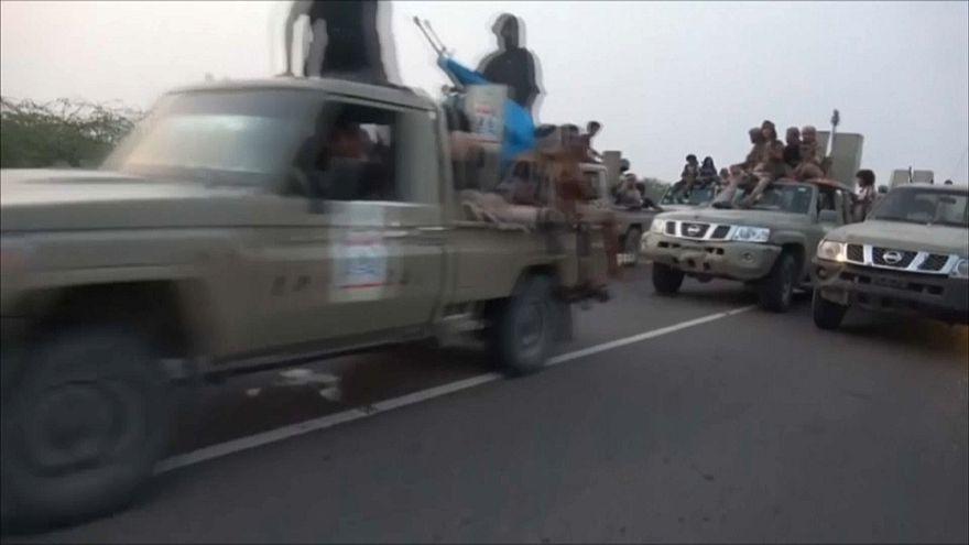 "Ofensiva contra porto iemenita controlado por ""huthis"""