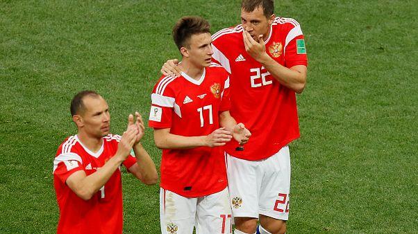 Focivébé: rekordgyőzelemmel kezdtek az oroszok