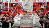 Tesla frena el gasto y acelera los despidos