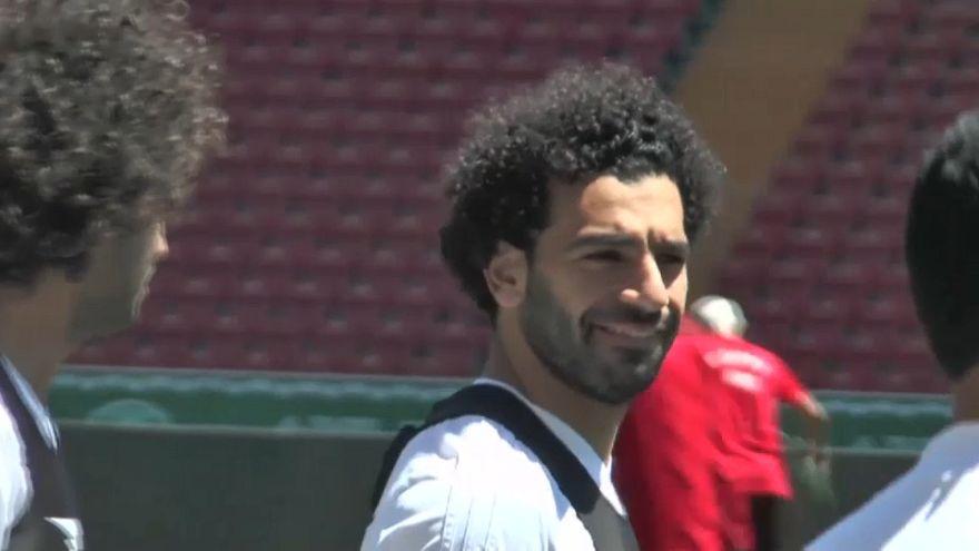 شاهد: صلاح يشارك في حصة تدريبية مع المنتخب المصري في روسيا