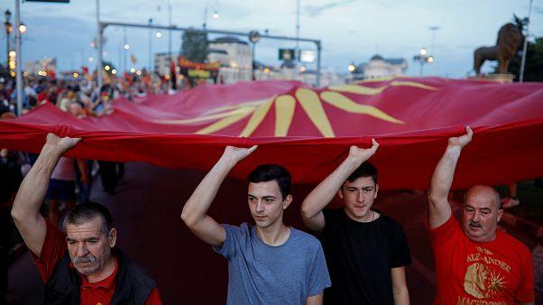 Gegenwind von Rechts in Athen und Skopje