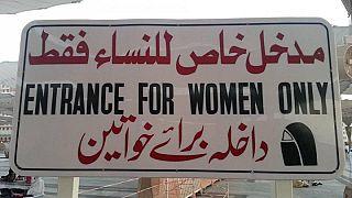 تعرف على أول أوروبية تحصل على رخصة قيادة في السعودية