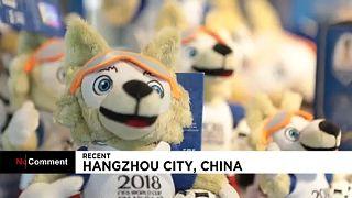 Összefogtak a kínai gyárak, hogy időben szállítsák a vébé kabaláit