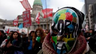Abstimmung über Abtreibung spaltet Argentinien