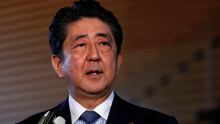 A japán kormányfő már szeptemberben találkozna Kim Dzsong Unnal