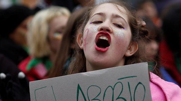 Argentina vota descriminalização do aborto