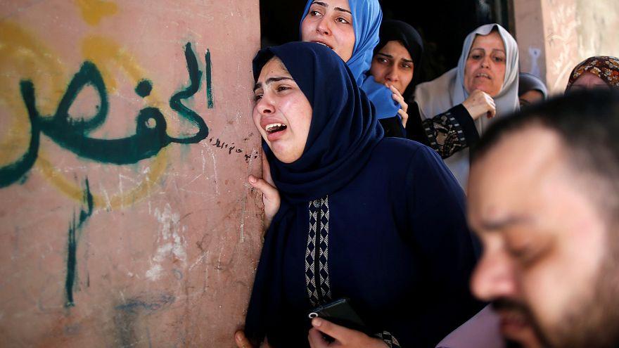 مقتل أكثر من مئة فلسطيني بنيران إسرائيلية يخيم على أجواء عيد الفطر في قطاع غزة