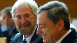 Avrupa Merkez Bankası faizde değişikliğe gitmedi, dolar yeniden yükselişe geçti