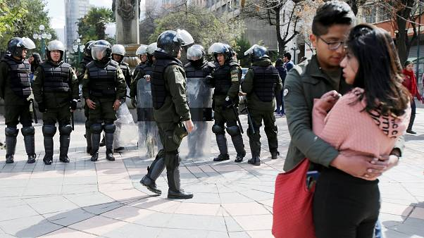 Bolivya'da üniversiteliler eğitim politikasına tepki için sokağa döküldü