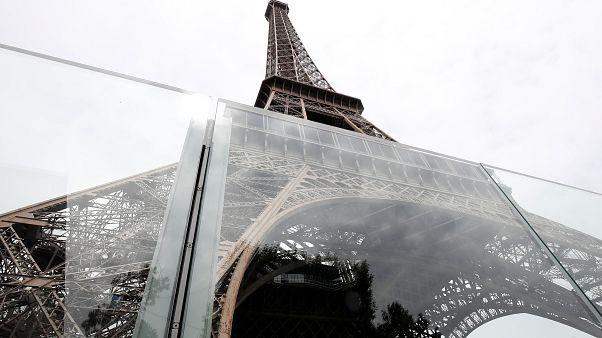 Inauguration mur de verre protecteur de la tour Eiffel 14/06/2018.