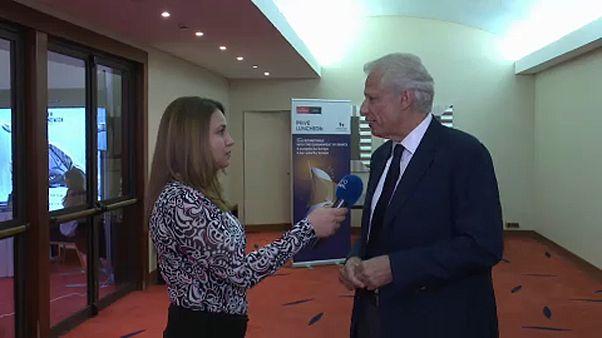 Ο Ντ. Ντε Βιλπέν στο euronews: Η συμφωνία για το ονοματολογικό μπορεί να προσφέρει ασφάλεια στην περιοχή