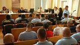 جلسة اصدار الحكم على المتهمين الذين تسببوا بموت 71 شخصا في شاحنة.