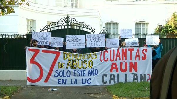 Cile: raid della polizia contro preti pedofili