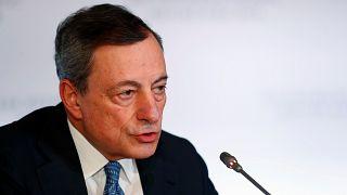 Draghi prevé menos crecimiento y más inflación para la eurozona