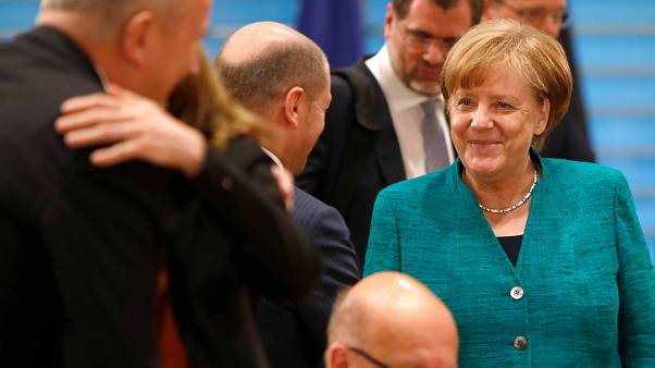 Γερμανία: Αντιπαράθεση Μέρκελ- Ζεεχόφερ για το προσφυγικό